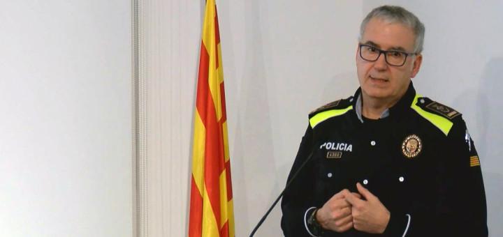 L'Inspector en cap de la Policia Local donant les dades a l'audiència pública sobre seguretat
