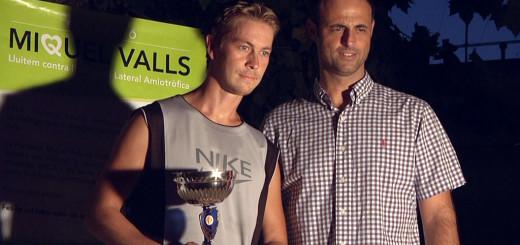 Janne Pietilainen durant l'entrega de trofeus