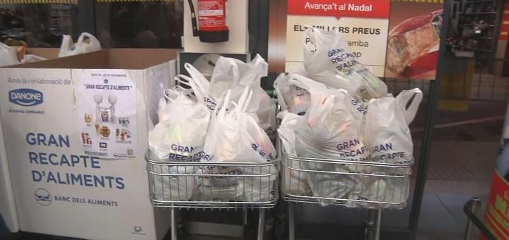Bosses plenes d'aliments durant el Gran Recapte 2014