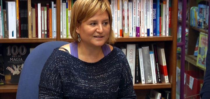 Mercè Roura durant la presentació del seu llibre a El Faristol, dijous