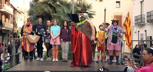 El rei Carnestoltes acompanyat d'una comitiva d'esportistes