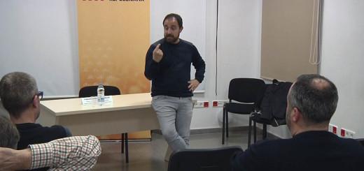 Fabián Mohedano durant la xerrada a Calella