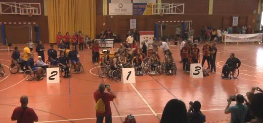 Lliurament dels trofeus de la primera jornada Jocs Adaptats