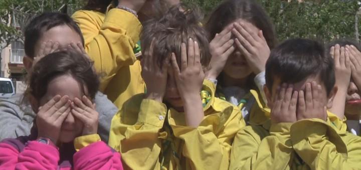 Nens i nenes del Cau han participat a la campanya de suport als refugiats