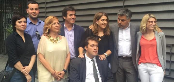 Pascal i Bonvehí acompanyats pels integrants candidatura, entre ells Montserrat Candini