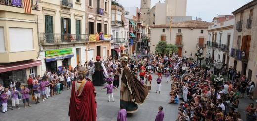 Vista des del balcó de l'Ajuntament d'un acte de Festa Major