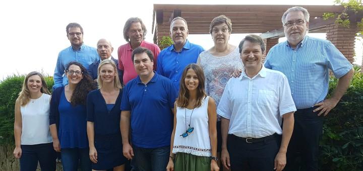 Carles Bosch acompanyat pels membres de la seva candidatura. Font Twitter