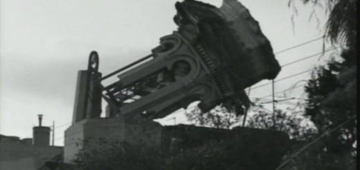 Instantània de l'enderroc de l'emblemàtica Torre dels Anglesos