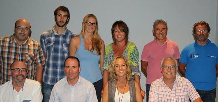 Raül Claramunt acompanyat per la resta de membres de la nova junta del CNC