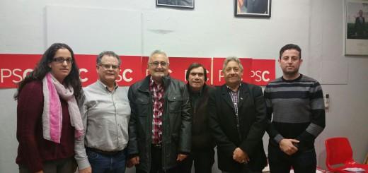 Representants de l'AAVV Calella Centre i de l'Agrupació local del PSC en la trobada mantinguda recentment