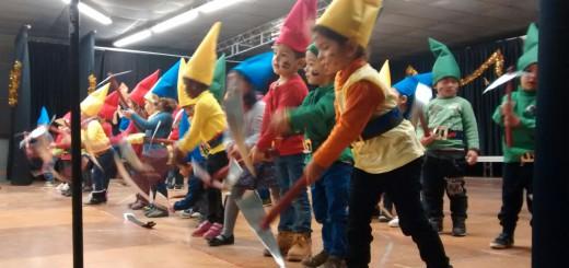 L'actuació dels alumnes estava dedicada al món del cinema