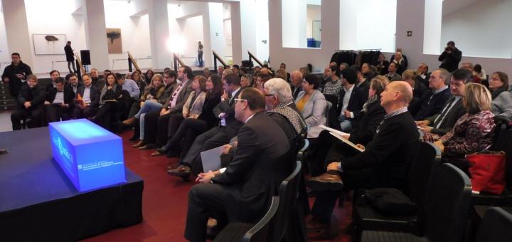 Sessió plenària ahir a Mataró, amb la presencia de la consellera Borràs