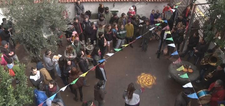 Assistents a la festa d'inauguració del Centre Social Ocupat la Bruna, dissabte passat