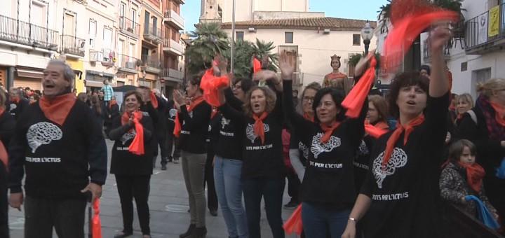 Participants de la flashmob organitzada amb motiu de La Marató 2016