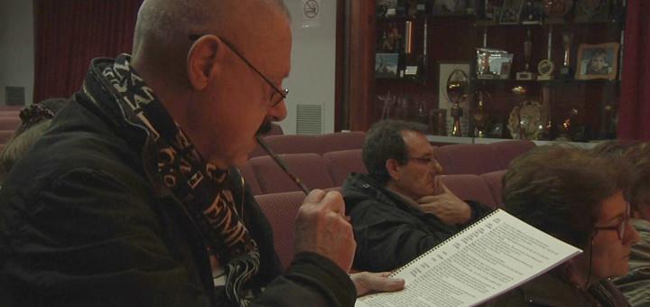 Albert Salvañà dirigint l'assaig que s'ha fet aquesta setmana