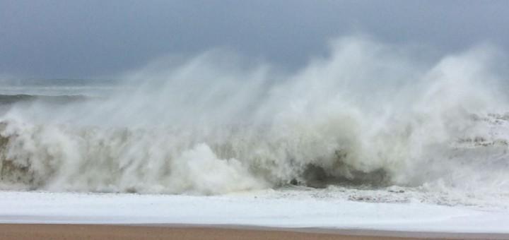 trencar onades platja calella