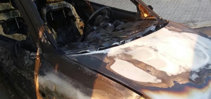 detall_cotxe_cremat