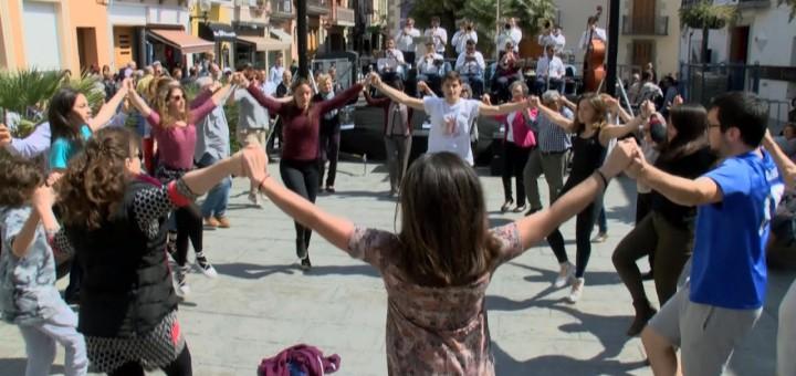 [VIDEO] Coblejant, avui diumenge de pasqua primera audició de sardanes a Calella
