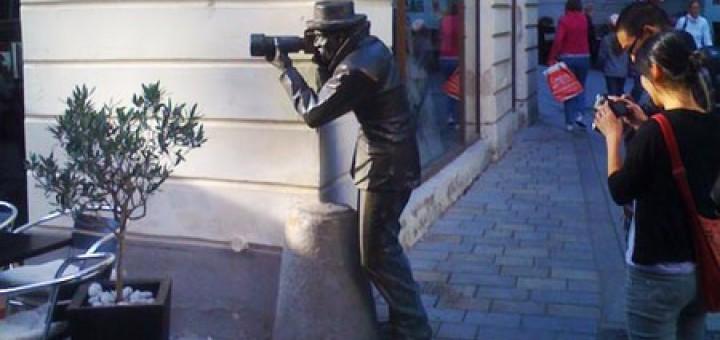 Una de les estàtues de bronze de Bratislava