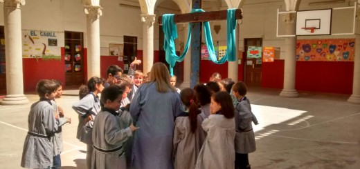 La Creu de Lampedusa va ser al Claustre de l'Escola Pia