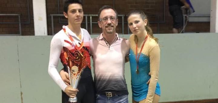 Eloi Cansals i Helena Rosines amb l'entrenador Alberto Fernández