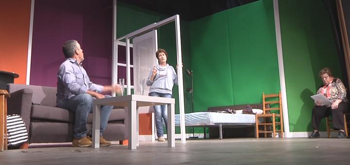 Assaig previ de l'obra abans de l'estrena al Teatre Orfeó