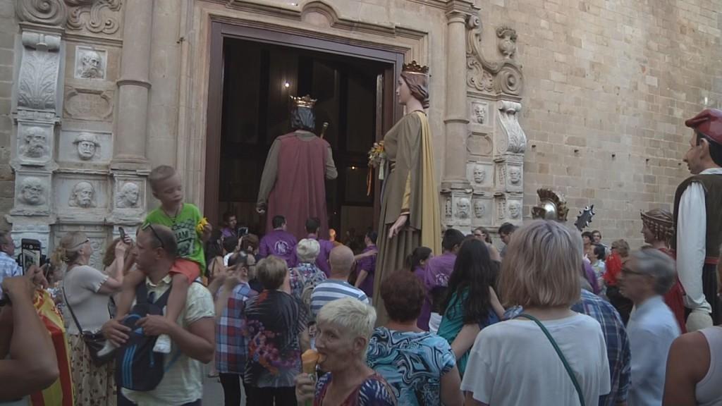 gegants_porta_església00000000