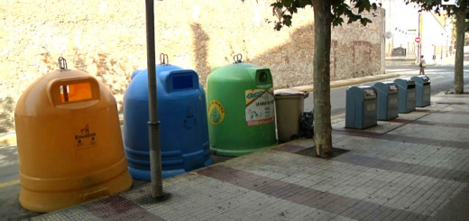 Contenidors de recollida selectiva de la brossa domèstica a Calella