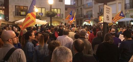 Calellencs concentrats a la Plaça de l'Ajuntament, el passat 20 de setembre