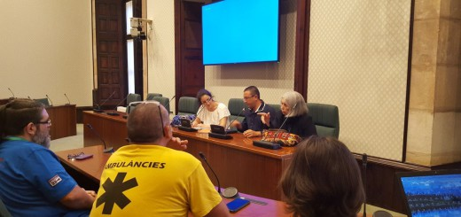 El conflicte dels treballadors ambulàncies ha arribat al Parlament