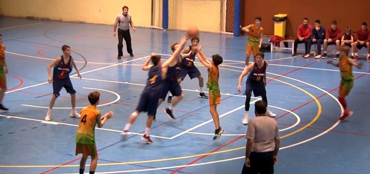 Partit entre el Barça i el CB Calella en categoria infantil