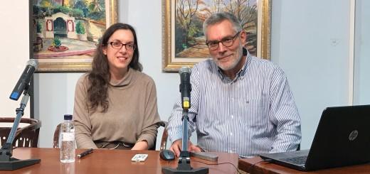 La Dra. Patera i el Dr. Puig, abans de començar la conferència, aquest vespre