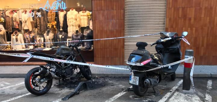 Les dues motocicletes afectades encara no s'havien retirat aquest matí
