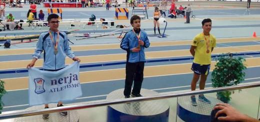 Bouras, a la dreta, durant la cerimònia d'entrega de medalles