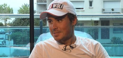 El triatleta gallec en una entrevista a Ràdio Calella TV