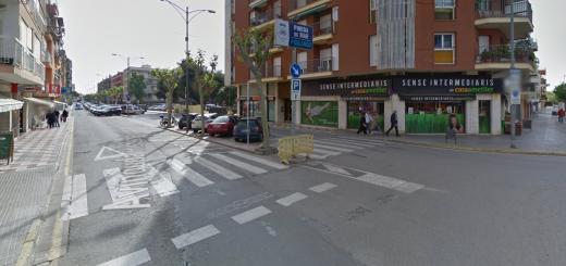 Entrada al barri de Poblenou de Pineda de Mar des de Calella