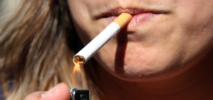 dona fumant