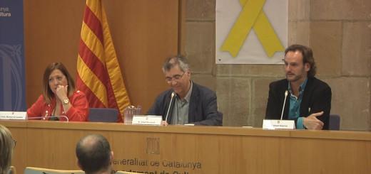 L'alcaldessa Candini i el director del Cor i Orquestra Harmonia, Albert Deprius (dreta) en la roda de premsa de presentació de la Temporada Lírica al Departament de Cultura