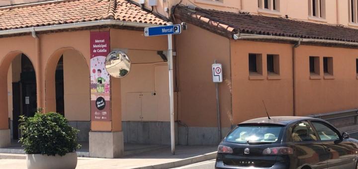 La càmera detecta les matrícules dels cotxes que no tenen autorització per entrar al carrer Sant Joan