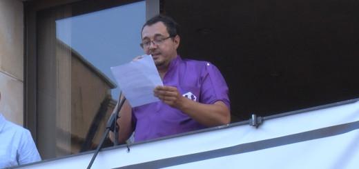 Emilio Gallego llegint el pregó de la Festa Major de Sant Quirze i Santa Julita
