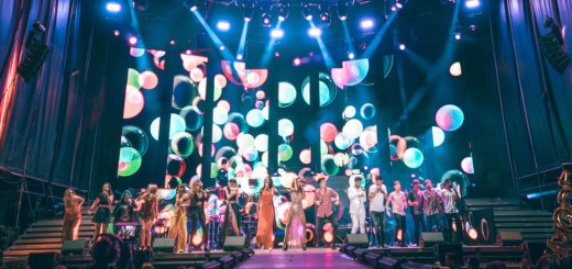 Actuació de la gira d'OT a l'escenari de l'ARTS d'Estiu al complex esportiu de Can Xaubet