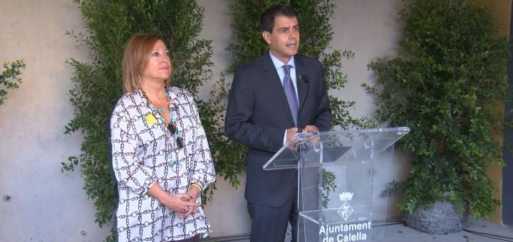 """El president de la Diputació de Barcelona, Marc Castells, va inaugurar ahir l'escultura """"La Maleta"""""""