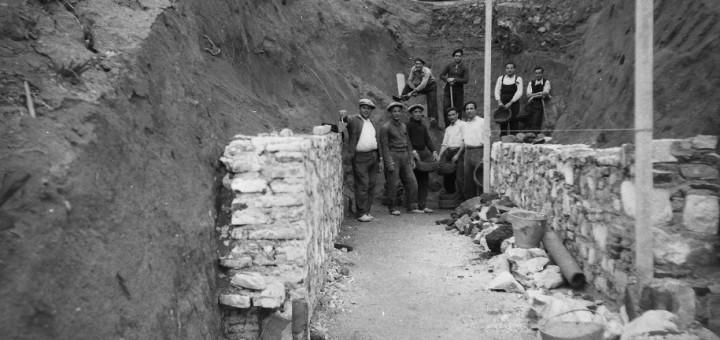Construcció del refugi antiaeri del Parc Dalmau de Calella. Any 1937. Autor: Josep Gelmà. Arxiu Històric Municipal de Calella