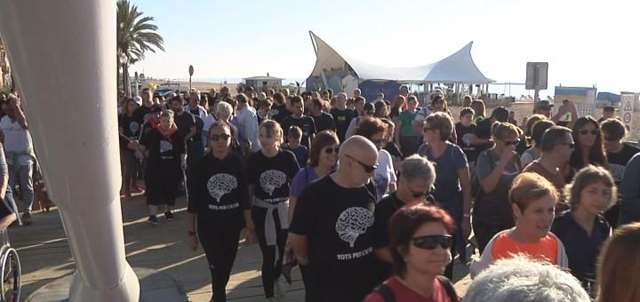 Participants a la caminada per l'ictus del 2017