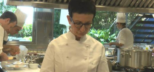 Carme Ruscalleda, en un servei a la cuina del Sant Pau