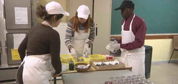 Voluntaris del menjador social de Poblenou (imatge d'arxiu)