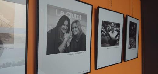 """La fotografia de les presentadores de La Ciutat està inclosa a l'exposició """"Gent de casa"""""""