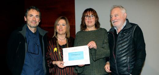 L'alcaldessa, Montserrat Candini, i la tinent d'Alcaldia d'Educació, Núria Parella, han recollit el guardó.