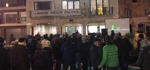 Concentració pels 15 mesos dempresonament dels Jordis i contra les detencions practicades a Girona.