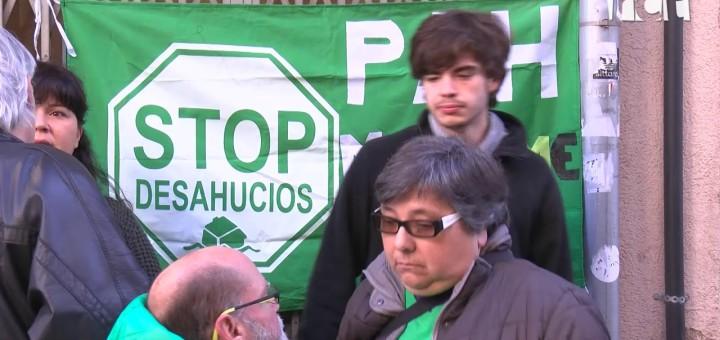 [VÍDEO] S'atura el desnonament d'una família que resideix en un pis de lloguer del carrer Amadeu